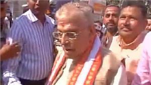 यूपी चुनाव वाराणसी में मुरली मनोहर जोशी ने किया मतदान