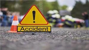 गाजीपुरसड़क दुर्घटना में 1 बच्चे की मौत