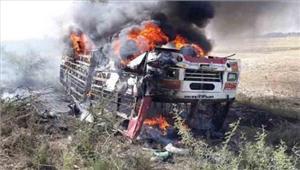 बांदाहाईटेंशन तार गिरने से बस में लगी आग 4 लोगों की मौत