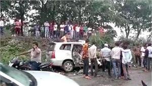 बिजनौरइनोवा कार में सवार9लोगों की मौत
