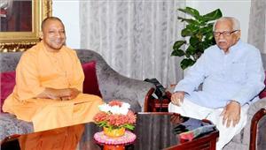राम नाईक और योगी नेमहात्मा गांधी को किया याद