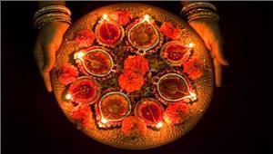 दीपावली केपर्व परकांच की हटरी में ठाकुर जी विराजते है