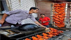 शहर से लेकर गांवों तक मांस की दुकानें फिर सजने लगी  उत्तर प्रदेश