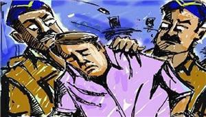उप्र  कई सालों से फरार  इनामी बदमाश गिरफ्तार