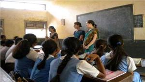 रिक्त पदों पर नियुक्ति न मिलने से गेस्ट टीचर्स में रोष