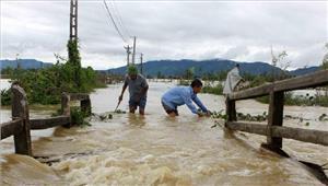 वियतनाम बाढ़ और भूस्खलन से 37 लोगों की मौत