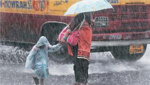 पश्चिम बंगाल भारी बारिश से जनजीवन अस्त-व्यस्त