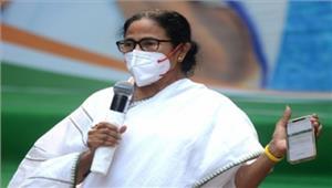 पश्चिम बंगाल ममताबाढ़ पीड़ित क्षेत्रों केदौरे पर
