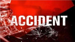 सड़क दुर्घटना में पुलिसकर्मी समेतचार लोगों की मौत