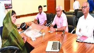 मंत्री रमशीला से जनप्रतिनिधियों ने की मुलाकात