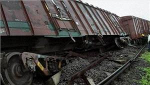 ओडिशा में मालगाड़ी के छह डिब्बे पटरी से उतरे कई ट्रेनें रद्द