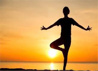 दिल की सेहत के लिए योग फायदेमंद