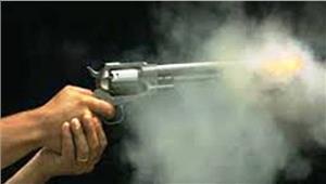 युवक पर गोली चलाई बाल-बाल बचा