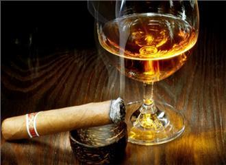 उम्र पर दिखता है अधिक शराब और धूम्रपान का असर