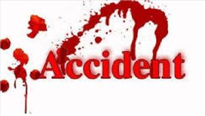 छिंदवाडासड़क हादसे में बाइक पर सवार 3लोगों की मौत