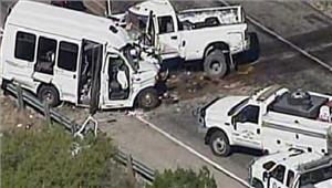 टेक्सास में बस औरट्रक कीभिड़ंत में12 लोगों की मौत
