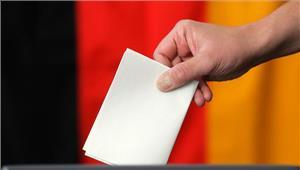 जर्मनी की आधी आबादी चुनाव के पक्ष में