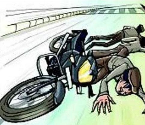 अज्ञात वाहन की टक्कर से बाइक सवार की मौत